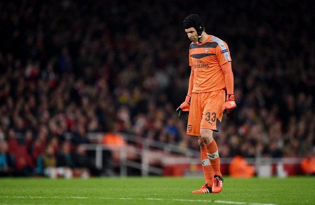 Petr Čech poprvé chytal v Lize mistrů za Arsenal a jeho tým těsně porazil Bayern Mnichov.