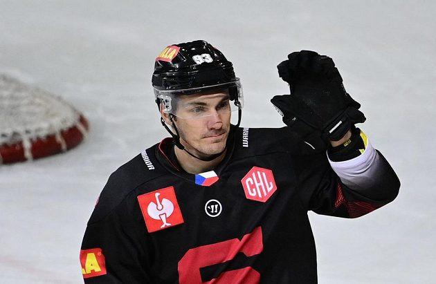 Hokejista Sparty Zdeněk Doležal se raduje ze vstřelené branky.