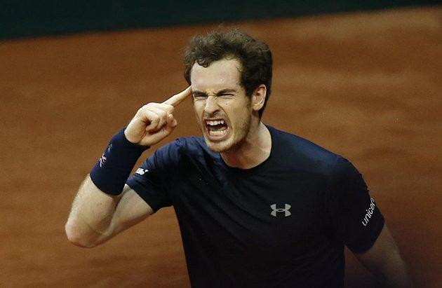 Andy Murray došel k výhře i navzdory svým tradičním výbuchům běsu...