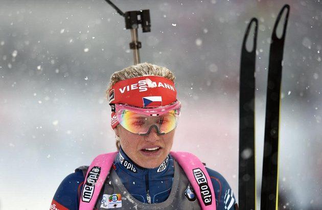 Gabriela Soukalová v cíli ve stíhacím závodu v rámci světového poháru v biatlonu ve Vysočina Areně v Novém Městě na Moravě.