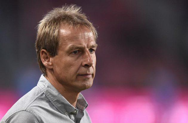 Kouč Spojených států amerických Jürgen Klinsmann během utkání na Letné.