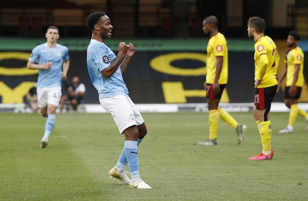Raheem Sterling z Manchesteru City se raduje po trefě proti Watfordu.