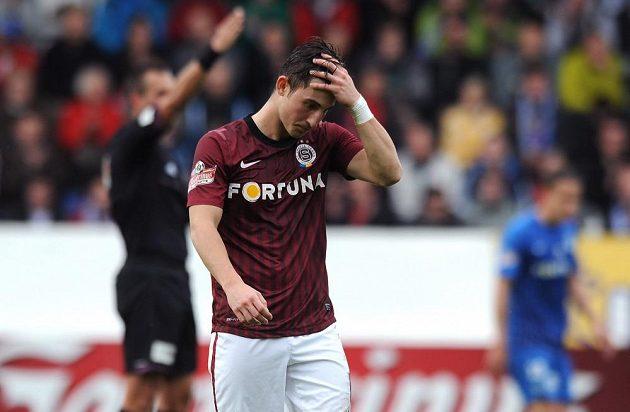 Zklamaný Lukáš Vácha ze Sparty během utkání v Liberci.