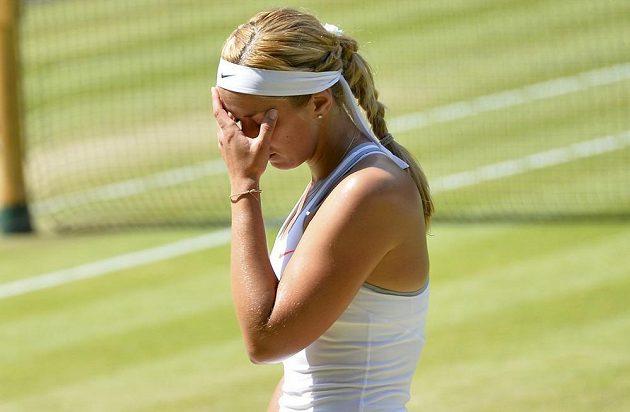 Slzy a smutek Sabine Lisické. Německá hráčka ve finále Wimbledonu propadla.