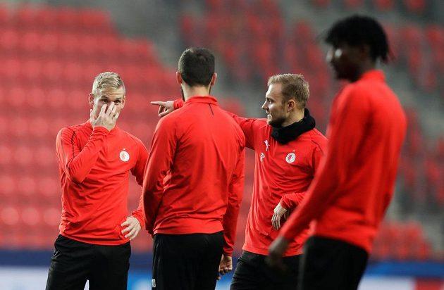 Fotbalisté pražské Slavie se připravují na středeční duel s Barcelonou.