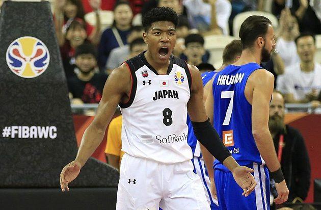 Čeští basketbalisté hrají na mistrovství světa důležitý zápas s Japonskem.