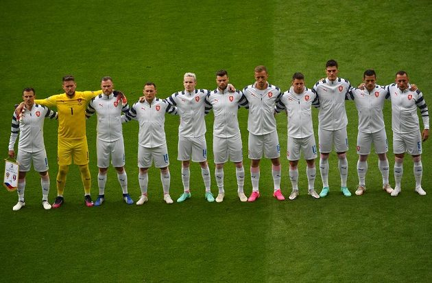 Čeští fotbalisté před zápasem s Chorvatskem na EURO.