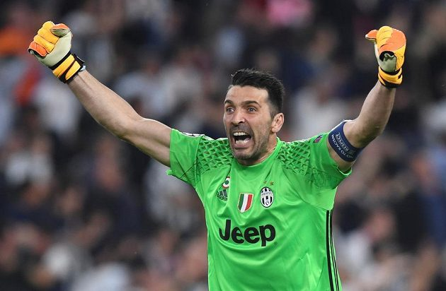 Radost gólmana Juventusu Gianluigiho Buffona.