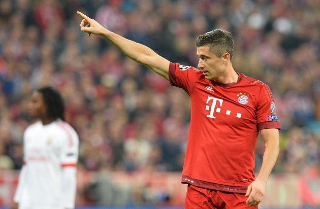 Robert Lewandowski z Bayernu při utkání s Benfikou.