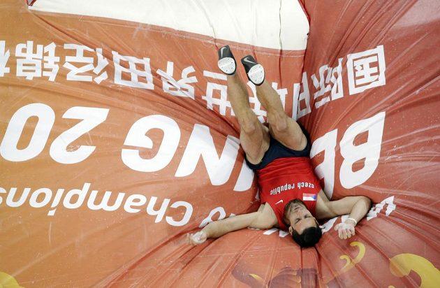 Jan Kudlička ve finále MS zdolal 550 cm.