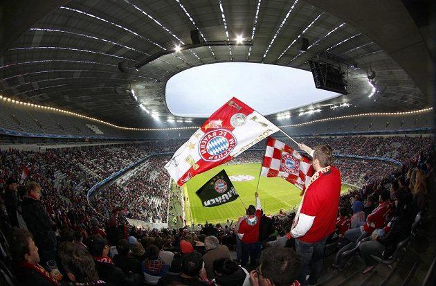 Fanoušci Bayernu Mnichov ve Wembley při finále Ligy mistrů.