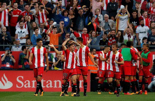 Pablo Maffeo (25) z Girony se raduje z gólu proti Realu.
