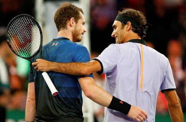 Po zápase se oba přátelsky objali.