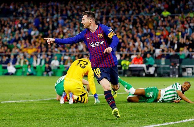Argentinec v barcelonském dresu Lionel Messi slaví další vstřelený gól.