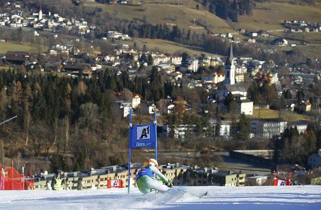 Slovinka Ana Drevová při obřím slalomu v Lienzu.