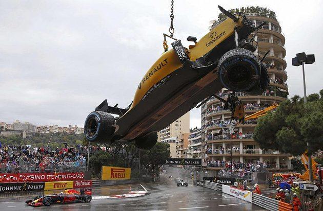 Takhle skončil monopost pilota Red Bullu Jolyona Palmera.
