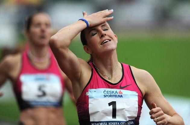 Atletka Zuzana Hejnová během závodu 400 m překážek v rámci Memoriálu Josefa Odložila v Praze.