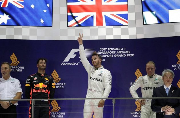 Bude Lewis Hamilton králem této sezóny? Po Singapuru je blízko.