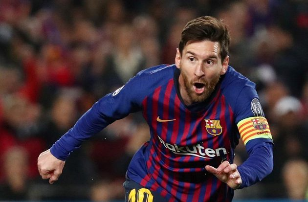 Lionel Messi slaví branku do sítě Mancheteru United