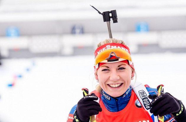 Lucie Charvátová v cíli stíhačky na MS v Holmenkollenu.