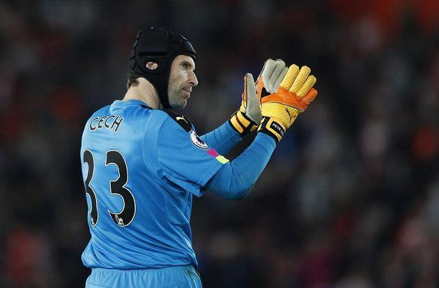 Brankář Arsenalu Petr Čech po utkání se Southamptonem.