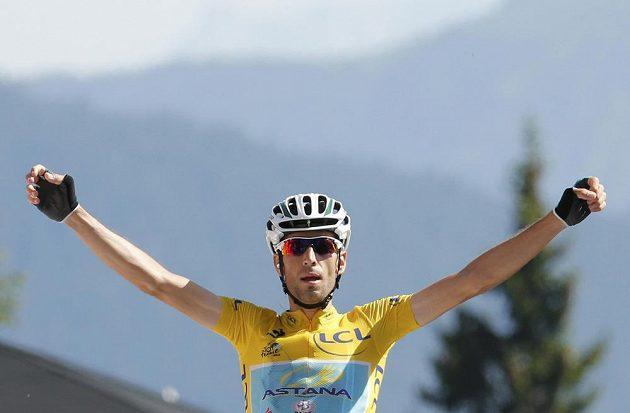 Lídr Tour Vincenzo Nibali z Itálie vyhrál 13. etapu s cílem v Chamrousse