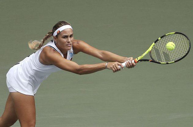 Mónica Puigová během utkání s Petrou Kvitovou.