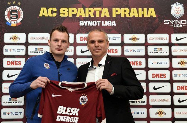 Útočník Jakub Řezníček a sparťanský trenér Vítězslav Lavička během středeční tiskové konference.