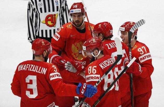 Ruská gólová radost během duelu s Itálií.