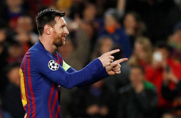 Barcelonský Lionel Messi slaví další vstřelený gól.