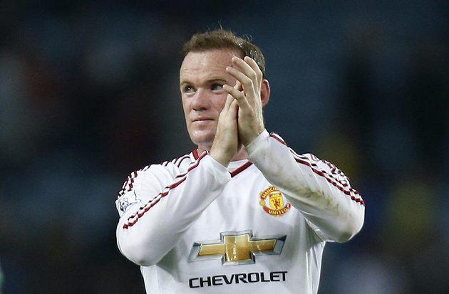 Wayne Rooney z Manchesteru United po zápase na hřišti Aston Villy.