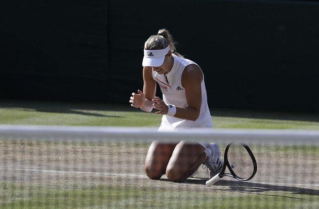 Německá tenistka Angelique Kerberová se právě stala wimbledonskou šampiónkou.