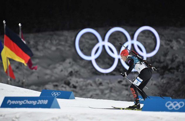 Německá biatlonistka Denise Herrmannová ve sprintu v Pchjongčchangu.