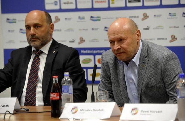 Nový trenér plzeňských fotbalistů Miroslav Koubek (vpravo) a majitel klubu Tomáš Paclík.