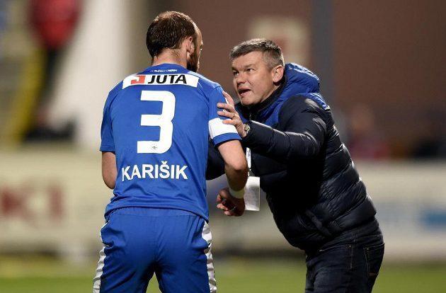 Trenér Liberce David Vavruška a Miloš Karišik.
