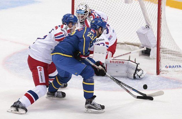 Švéd Lucas Wallmark proti českému brankáři Pavlu Francouzovi neuspěl.