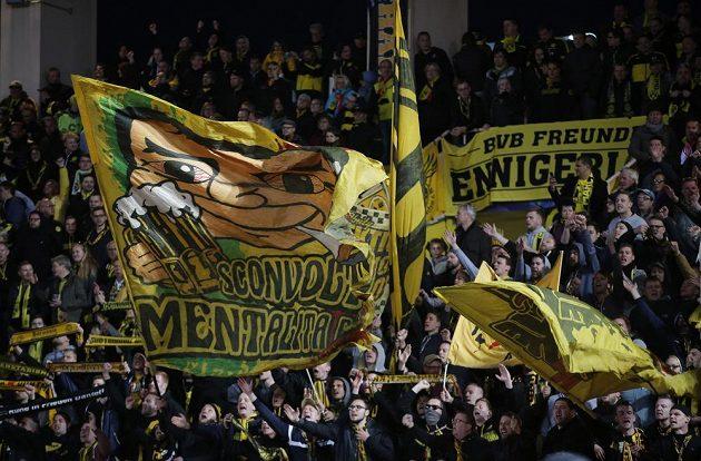 Fanoušci Borussie Dortmund během odvetného čtvrtfinále Ligy mistrů v Monaku.