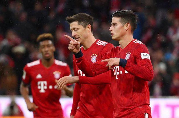 Kanonýři v akci! Bayern Mnichov nasázel Mohuči šest branek a do listiny střelců se zapsali James Rodriguez i Robert Lewandowski.