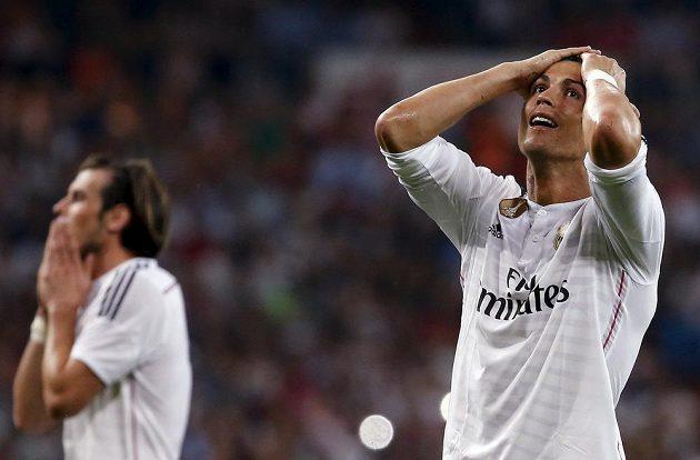 Cristiano Ronaldo se chytá za hlavu, proti Valencii nedal pokutový kop.