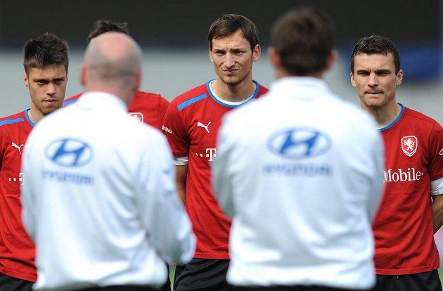Útočníci české fotbalové reprezentace (zleva): Václav Kadlec, Libor Kozák a David Lafata.