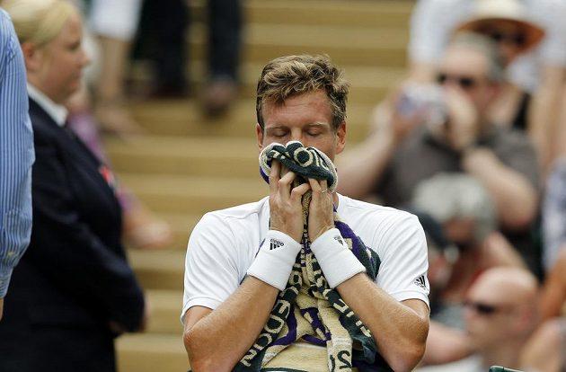 Český tenista Tomáš Berdych v zápase s Němcem Alexandrem Zverevem.