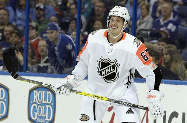 Útočník Rickard Rakell z Anaheimu rozhodl Utkání hvězd NHL ve prospěch Pacifické divize.
