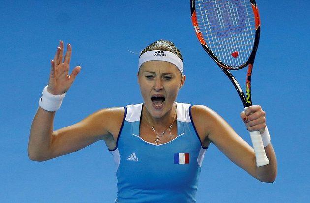 Emotivní reakce Kristiny Mladenovicové při utkání s Karolínou Plíškovou.