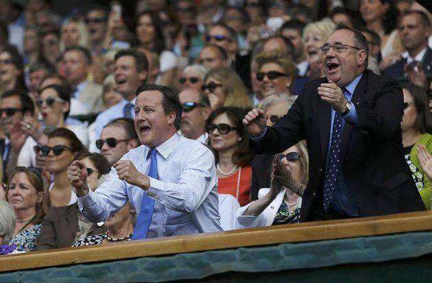 Nadšený byl i britský premiér David Cameron (vlevo).