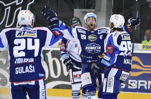 Útočník Komety Hynek Zohorna z Brna se raduje z gólu.