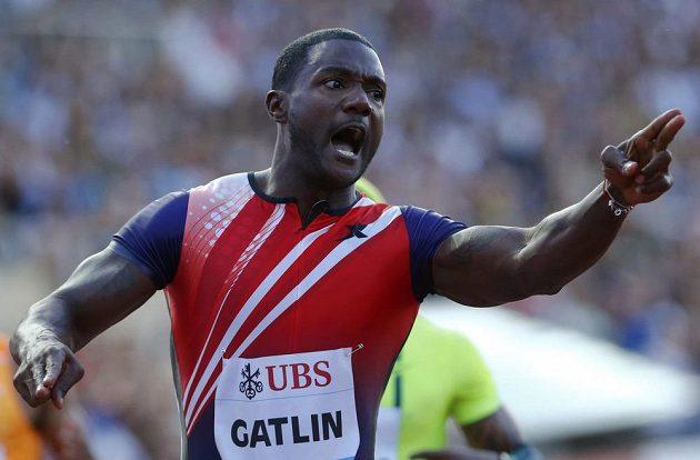 Americký sprinter Justin Gatlin vyhrál v Lausanne běh na 100 metrů v nejrychlejším čase roku.