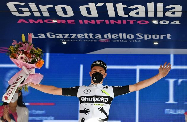 Premiérový triumf. V náročné 11. etapě cyklistického Gira d'Italia vyhrál Švýcar Mauro Schmid.