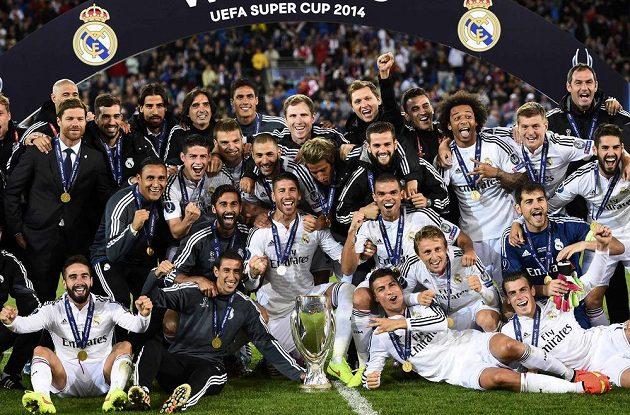 Real Madrid získal Superpohár podruhé, předtím uspěl v roce 2002.