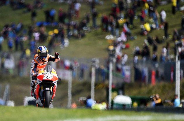 Vítěz brněnského závodu MotoGP Dani Pedrosa ze Španělska.