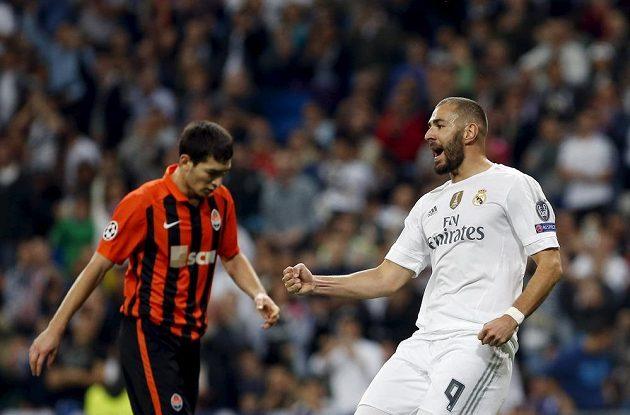Útočník Realu Madrid Karim Benzema se raduje z gólu proti Šachtaru Doněck.